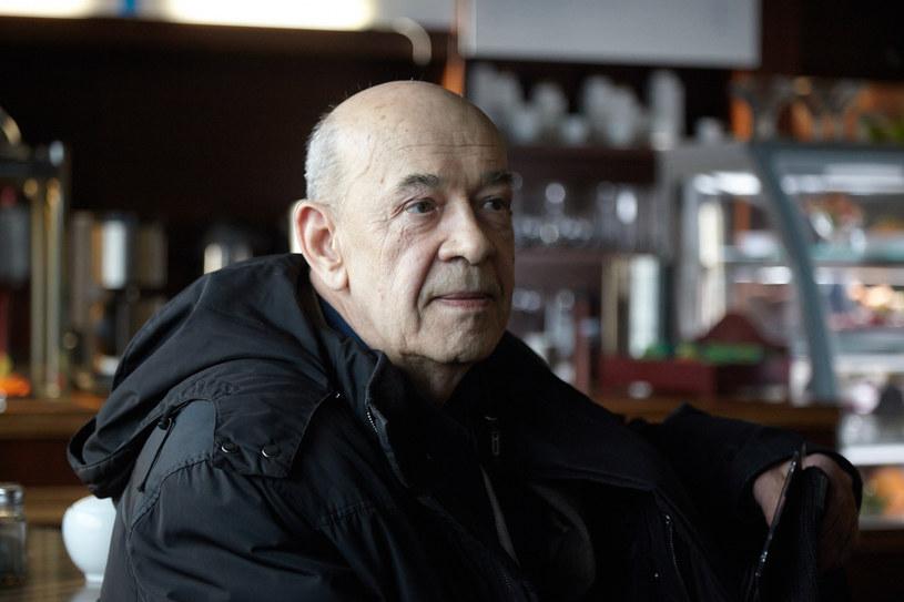 """- To nie jest """"zwykły film"""" w mojej karierze. Starałem się możliwie jak najdokładniej pokazać, co wydarzyło się 10 kwietnia 2010 roku - mówi Antoni Krauze, którego """"Smoleńsk"""" wchodzi 9 września na ekrany polskich kin. W poniedziałek miała miejsce uroczysta premiera obrazu w Teatrze Wielkim w Warszawie."""