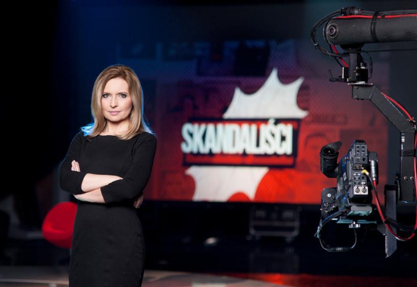 """Program """"Skandaliści"""" wraca w październiku na antenę Polsat News. Poprowadzi go Agnieszka Gozdyra. Kontrowersyjne show zostało zdjęte w ramówki Polsat News w marcu 2015, zaledwie po trzech odcinkach."""
