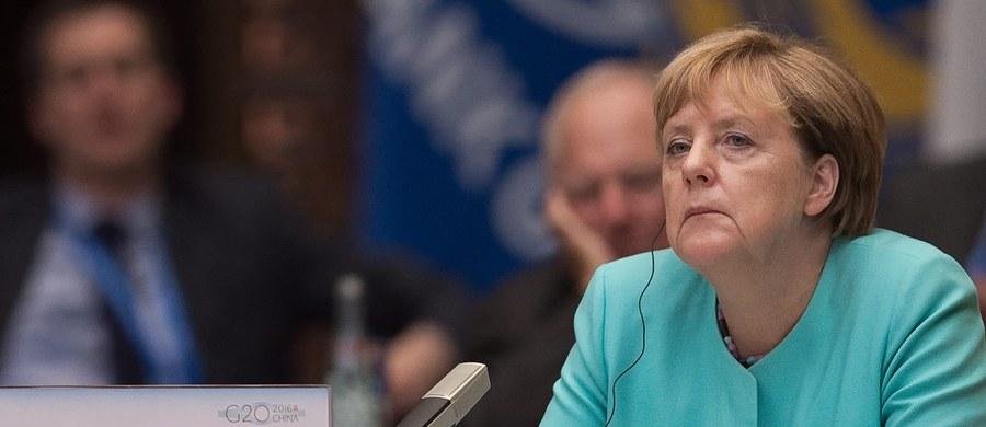 Kanclerz Niemiec Angela Merkel zapowiedziała w poniedziałek po porażce swojej partii CDU w wyborach regionalnych w Meklemburgii-Pomorzu Przednim, że będzie zabiegała o odzyskanie zaufania wyborców. Podkreśliła, że jej decyzje dotyczące uchodźców były słuszne.