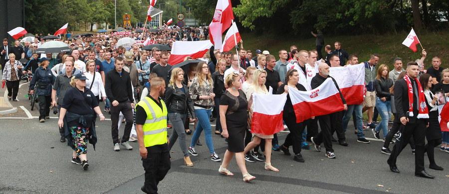 Oficer łącznikowy polskiej policji w Londynie jedzie do Harlow - dowiedział się nieoficjalnie nasz reporter Grzegorz Kwolek. O godz. 17 ma spotkać się z funkcjonariuszami policji z hrabstwa Essex, prowadzącymi śledztwa w sprawie ataków na naszych obywateli.