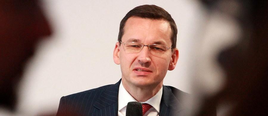 """Popieram wprowadzenie zakazu handlu w niedzielę, dzięki temu dołączymy do krajów, które uważają """"życie rodzinne za wartość społeczną"""" - powiedział wicepremier i minister rozwoju Mateusz Morawiecki."""