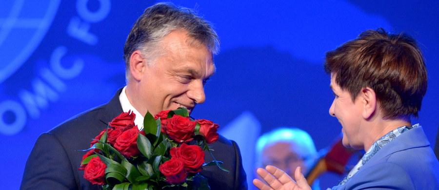 Premier Węgier Viktor Orban został uhonorowany nagrodą Człowieka Roku podczas XXVI Forum Ekonomicznego w Krynicy. Statuetkę wręczyła mu premier Beata Szydło.