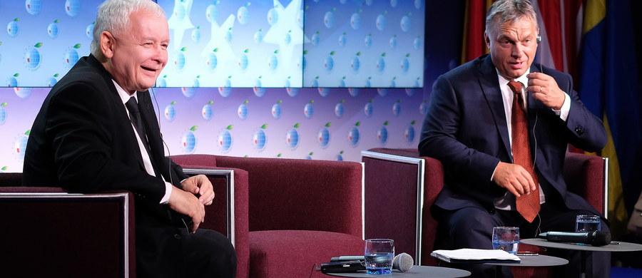 Brexit jest przejawem kryzysu tożsamości narodowej w Europie, możemy go przezwyciężyć przypominając, że Europa jest bogata bogactwem europejskich kultur - zgodzili się w Krynicy prezes PiS Jarosław Kaczyński i premier Węgier Viktor Orban. Kaczyński i Orban wzięli udział w panelu na Forum Ekonomicznym w Krynicy. Dyskusji wysłuchali członkowie rządu z premier Beatą Szydło, parlamentarzyści, politycy, urzędnicy państwowi. Następnie na uroczystej gali Orban został uhonorowany nagrodą Człowieka Roku.