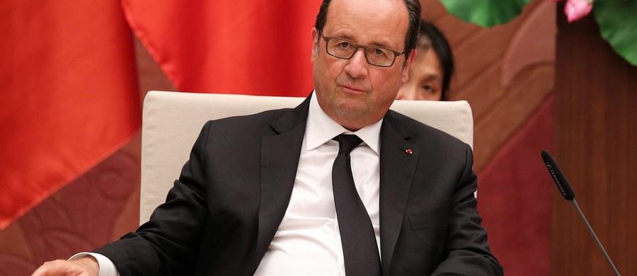 Gdyby głosowanie odbyło się w ostatnich dniach, socjalistyczny prezydent Francji Francois Hollande odpadłby już w pierwszej turze wyborów prezydenckich, uzyskując maksymalnie 15 proc. głosów - wynika z opublikowanego w środę sondażu. W drugiej turze jeden z centroprawicowych kandydatów spotkałby się z Marine Le Pen z Frontu Narodowego.