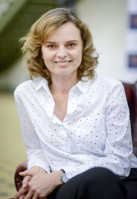 """Warto mieć swoje zdanie, nie bać się podejmowania samodzielnych decyzji - podkreśla Beata Fido, mówiąc o granej przez siebie głównej bohaterce filmu """"Smoleńsk"""". Aktorka opowiada też o swojej nowej roli w znanym serialu telewizyjnym."""