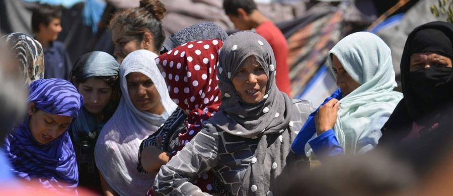 Węgry przyjmą z powrotem tylko tych migrantów, którzy przedostali się do Unii Europejskiej, przekraczając węgierską granicę – poinformował w środę minister spraw zagranicznych Węgier Peter Szijjarto. Była to reakcja na słowa szefa MSW Austrii Wolfganga Sobotki, który oświadczył wcześniej, że jeśli Węgry nie przyjmą z powrotem odsyłanych migrantów, którzy przekroczyli ich wspólną granicę, to Austria pozwie ten kraj do sądu.