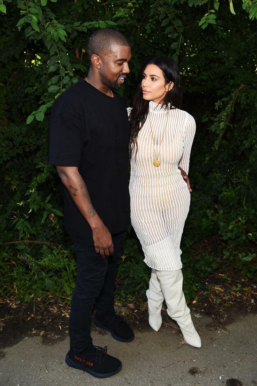 W sieci zawrzało po pokazie nowej kolekcji Yeezy Season 4, autorskiej marki Kanye Westa. Fanom rapera nie spodobał się sposób, w jaki potraktowano modelki.