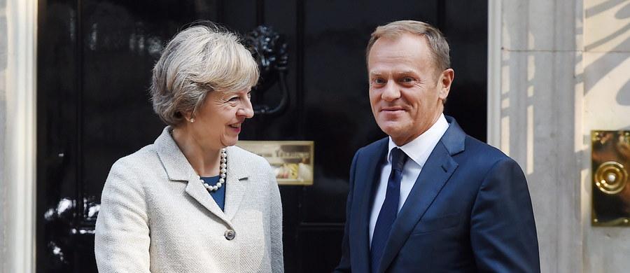 Stan przygotowań do Brexitu, kryzys na Ukrainie, umowa UE-Turcja, porozumienie klimatyczne i bezpieczeństwo Polaków w Wielkiej Brytanii były przedmiotem czwartkowych rozmów brytyjskiej premier Theresy May i przewodniczącego Rady Europejskiej Donalda Tuska.