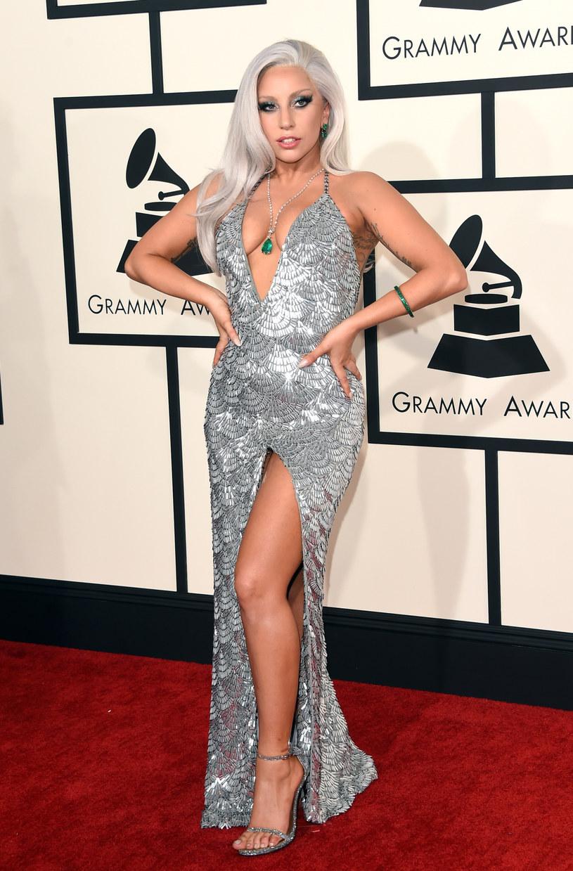 """Lady Gaga zaprezentowała nowy singel. Posłuchajcie utworu """"Perfect Illusion""""!"""