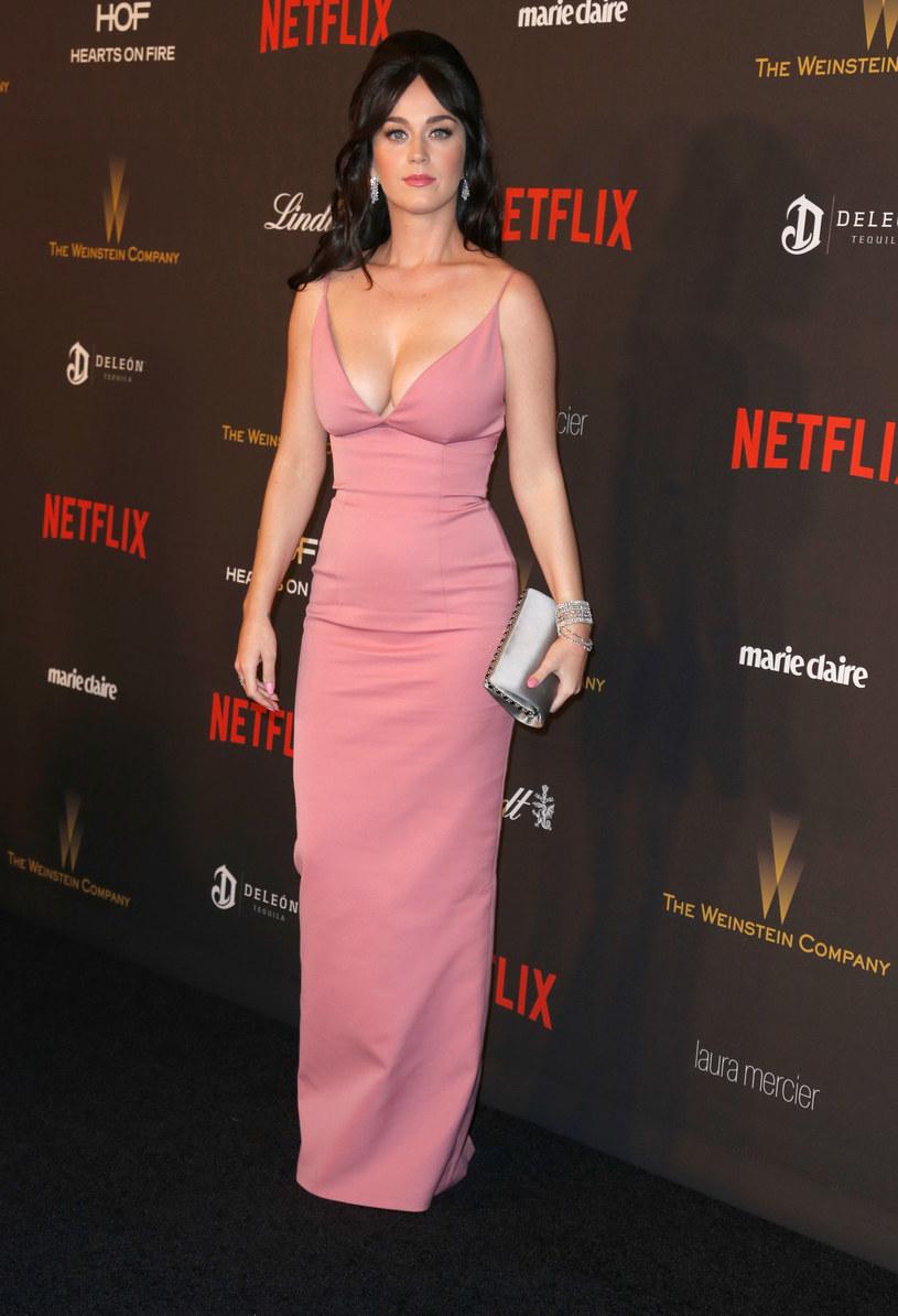 Katy Perry w programie Ellen DeGeneres spotkała się z jednym z imprezowiczów, którzy przeżyli strzelaninę w klubie w Orlando, do której doszło 12 czerwca.