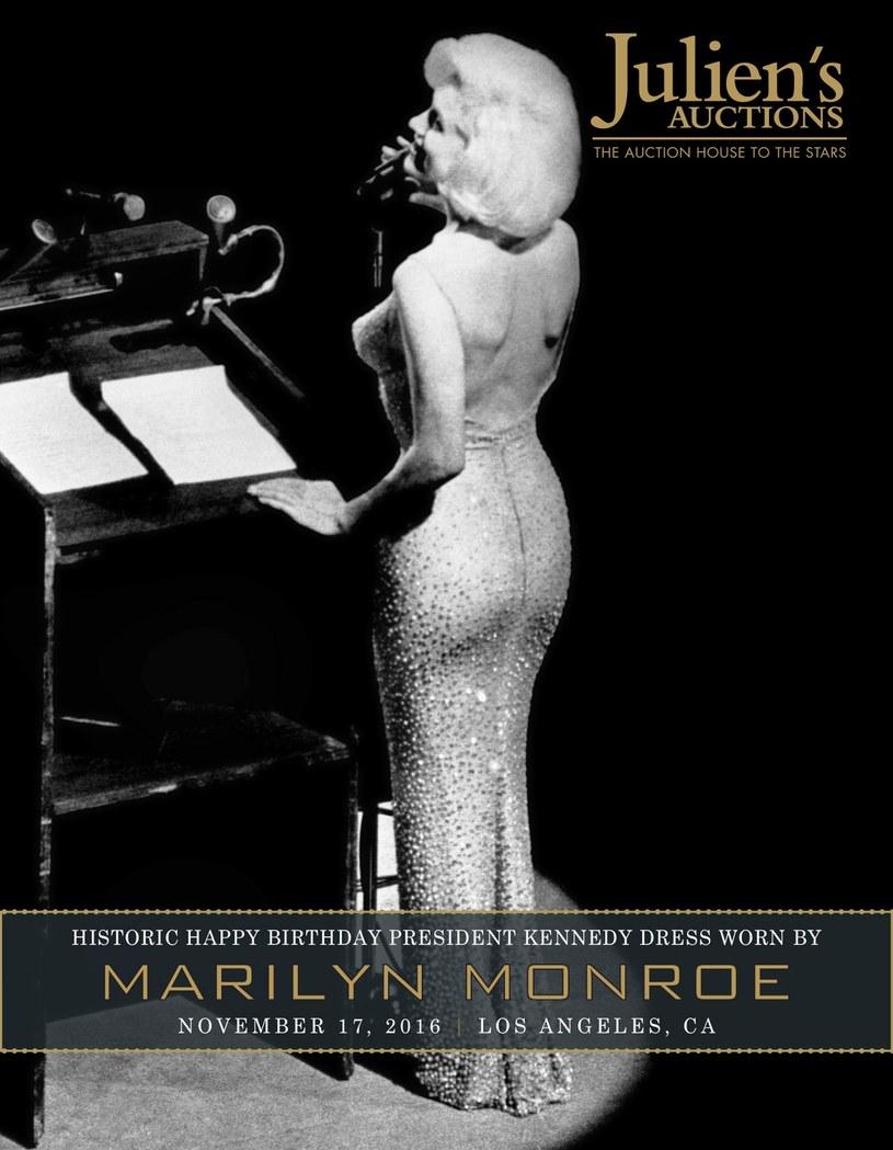 """Słynna obcisła suknia noszona przez Marilyn Monroe, podczas słynnego już odśpiewania """"Happy Birthday"""" dla prezydenta Johna F. Kennedyego na jego 45. urodziny będzie licytowana na aukcji. I sukienka, i wykonanie piosenki stały się legendarne."""