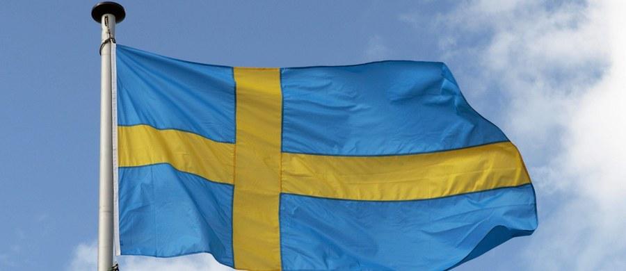 Ogłoszenie w tych dniach raportu na temat polityki bezpieczeństwa opracowanego na zlecenie rządu Szwecji ożywiło w tym kraju debatę polityczną na temat przystąpienia do NATO. Szwecja jest krajem neutralnym. Uczestniczy w programie Partnerstwa dla pokoju.