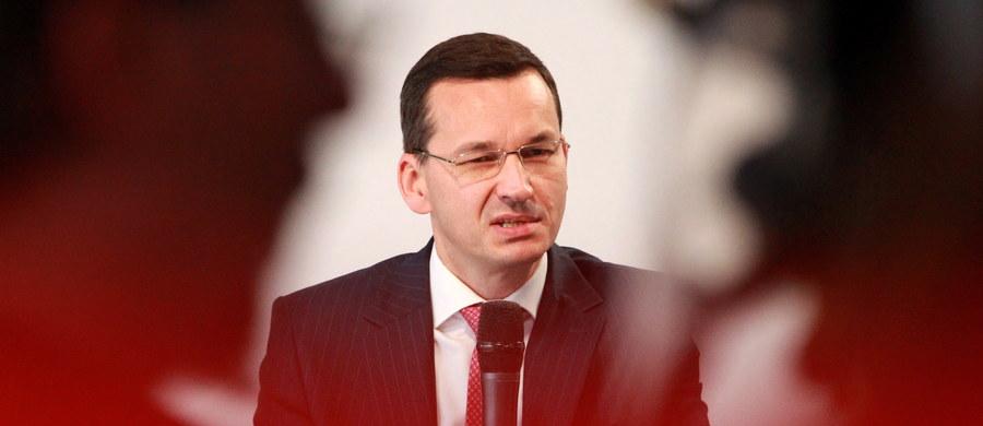 """""""Zapewne jest to coś innego niż w pełni potwierdzenie ratingu (...), ale brak obniżenia jest brakiem obniżenia"""" – powiedział PAP wicepremier Mateusz Morawiecki komentując piątkową informację Agencji Moody's o tym, że rating Polski nie został zaktualizowany. """"Można powiedzieć, że cieszę się, że Moody's nie zmienił ratingu, bo zależy nam na jak najlepszej ocenie polskiej gospodarki przez zagranicznych inwestorów"""" – dodał."""