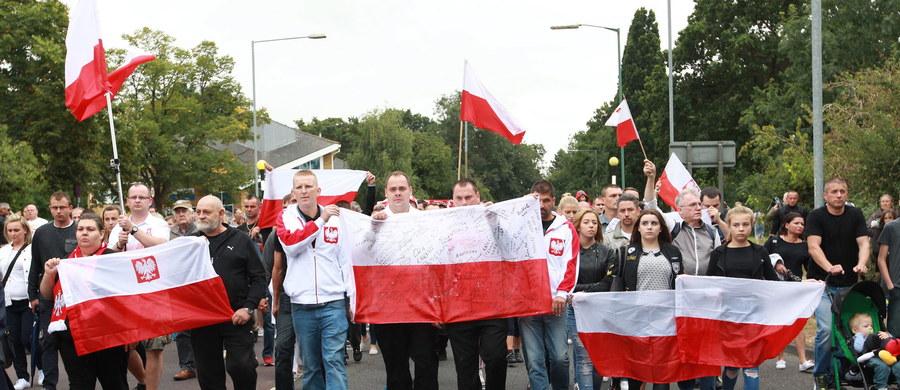"""Kilkudziesięciu mieszkańców Harlow, w tym Polacy, spotkało się w sobotę z władzami policji hrabstwa Essex, aby przedyskutować działania, które należy podjąć, aby zapobiec dalszym incydentom na tle narodowościowym. """"Straciliście nasze zaufanie"""" - mówili mieszkańcy."""