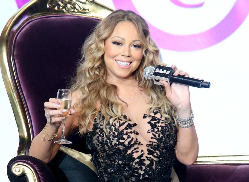 Ponad 85 tys. polubień zebrało na Instagramie jedno ze zdjęć Mariah Carey, którym 46-letnia wokalista zapowiada nowy materiał.