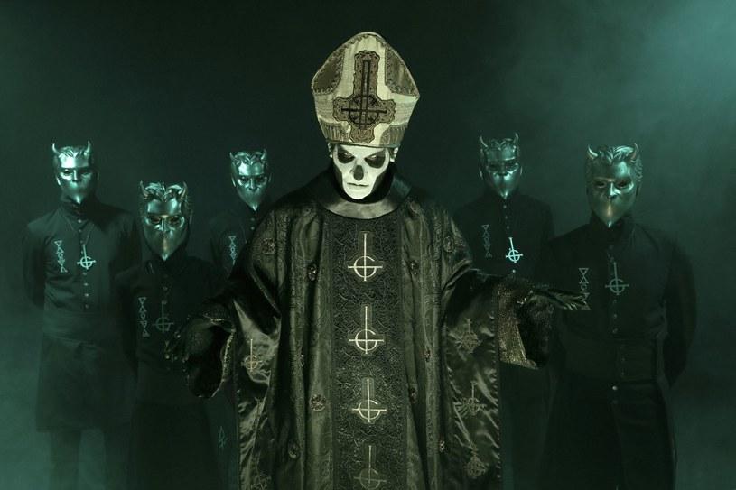 """Już w piątek, 16 września, Szwedzi z Ghost wydadzą nową EP-kę """"Popestar""""."""