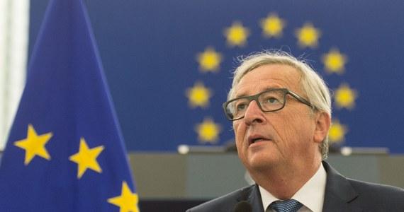 """""""Europejczycy nie mogą zaakceptować, by polscy pracownicy byli napastowani, bici, a nawet mordowani na ulicach Essex"""" - powiedział przewodniczący Komisji Europejskiej Jean-Claude Juncker. Polityk wygłosił w Strasburgu przemówienie o stanie Unii Europejskiej na dwa dni przed nieformalnym, unijnym szczytem w Bratysławie. Według niego, Brexit nie zagrozi UE. Dostęp do wspólnego rynku może mieć tylko ten, kto respektuje wszystkie swobody unijne - podkreślił."""