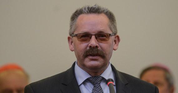 Szykują się dymisje we władzach Polskich Kolei Państwowych. Minister Infrastruktury zamierza odwołać z zarządu osoby, które nie chcą oddać kolejowych gruntów pod budowę tanich mieszkań.