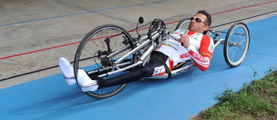 Rafał Wilk wywalczył w Rio de Janeiro złoty medal paraolimpijski w jeździe indywidualnej na czas w kolarstwie ręcznym (handbike). To trzeci krążek z tego kruszcu 41-letniego zawodnika. Dwa poprzednie zdobył cztery temu w Londynie. Anna Harkowska zdobyła w Rio de Janeiro srebrny medal XV Paraolimpiady w kolarskiej jeździe indywidualnej na czas w kategorii C5. Trasę długości 20 km pokonała w 28.52,79.