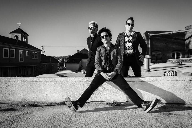 """Poniżej możecie zobaczyć najnowszy teledysk grupy Green Day - """"Bang Bang"""". W klipie bandyci przebrani za muzyków rabują bank!"""