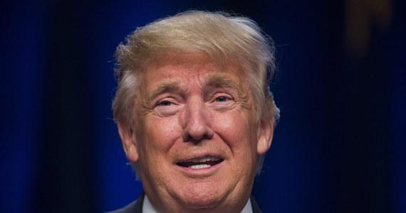"""Hakerzy udostępnili e-maile byłego szefa dyplomacji USA Colina Powella zawierające krytyczne opinie na temat Donalda Trumpa. CNN podaje, że Powell nazwał go między innymi """"narodową hańbą"""" Ameryki i """"międzynarodowym pariasem""""."""
