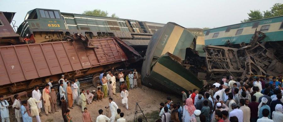 Co najmniej sześć osób zginęło, a ponad 150 zostało rannych w katastrofie kolejowej, do jakiej doszło w środkowym Pakistanie. Jak poinformowały lokalne media, w pobliżu miasta Multan w prowincji Pendżab zderzyły się pociągi pasażerski i towarowy.