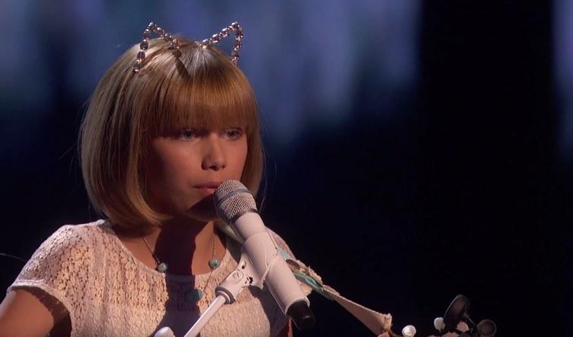 """Zwyciężczynią amerykańskiej 11. edycji """"Mam talent"""" została 12-letnia Grace VanderWaal, który zachwycała podczas każdego ze swoich występów w programie."""