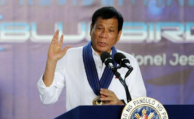 Prezydent Filipin Rodrigo Duterte zlecał szwadronom śmierci zabójstwa przestępców i osobistych wrogów, kiedy był burmistrzem miasta Davao na południu kraju - wynika z zeznań złożonych w czwartek przez byłego egzekutora. Łącznie zamordowano około 1 tys. osób.