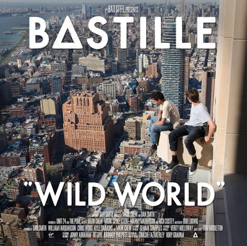 """Lepszego rozwoju wydarzeń fani grupy Bastille nie mogli sobie wyobrazić. Grupa konsekwentnie podąża obraną kilka lat temu trasą, odważniej i mocniej zaznaczając swoją obecność. Trzy lata po ich płytowym debiucie """"Bad Blood"""", ukazał się właśnie drugi longplay - """"Wild World""""."""