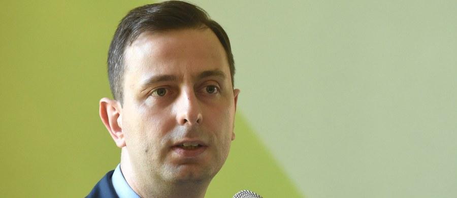 Reforma systemu edukacji jest nieprzygotowana, nieprzemyślana, nie służy uczniom, rodzicom ani nauczycielom - tak zmiany zapowiedziane przez MEN ocenił szef PSL Władysław Kosiniak-Kamysz.