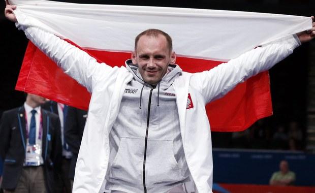 Polscy szermierze na wózkach zdobyli w Rio de Janeiro srebrny medal XV Paraolimpiady. W finale drużynowego turnieju florecistów przegrali z mistrzami poprzednich igrzysk w Londynie - zespołem Chin 27:45.