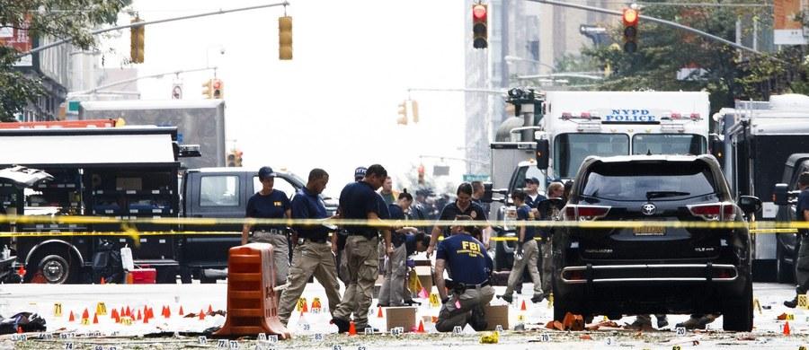 FBI zaprzeczyło doniesieniom stacji ABC News, jakoby we współpracy z nowojorską policją zatrzymało pięć osób w związku z eksplozją bomby na Manhattanie. Do wybuchu doszło w sobotę wieczorem czasu lokalnego w ruchliwej dzielnicy Chelsea - eksplodował tam ładunek ukryty w śmietniku. Obrażenia odniosło 29 osób, ale do niedzielnego popołudnia wszystkie opuściły szpital.