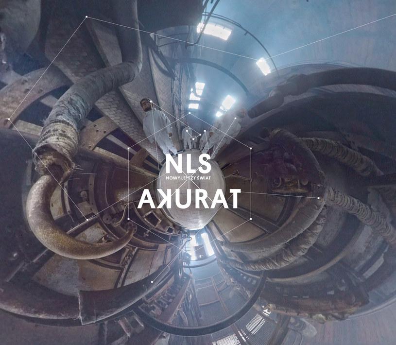 Jeśli zespół Akurat kojarzycie przede wszystkim z przaśnym ska i dęciakami w roli głównej, to ich nowa płyta może Was poważnie zaskoczyć.