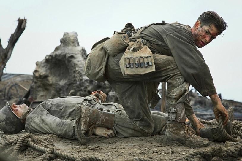 """Andrew Garfield, Teresa Palmer, Vince Vaughn i Sam Worthington grają główne role w nowym filmie Mela Gibsona """"Przełęcz ocalonych"""", opowiadającym o jednym z najbardziej nietypowych bohaterów wojennych w historii."""