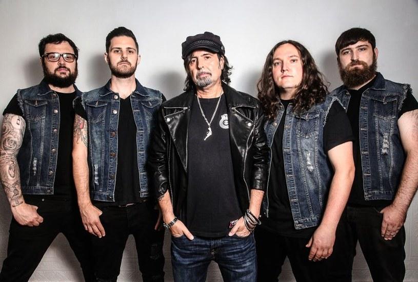 Rodzinny projekt gitarzysty Motorhead, Phil Campbell and the Bastard Sons, 24 października zagra w Warszawie. Koncert został przeniesiony z Progresji do klubu Proxima.