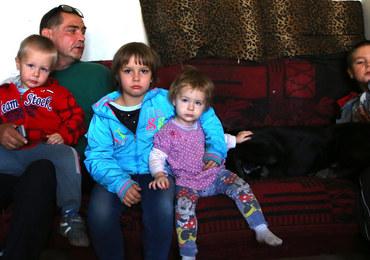 Samotny ojciec nie straci dzieci z powodu biedy. Rodzina dostanie kuratora