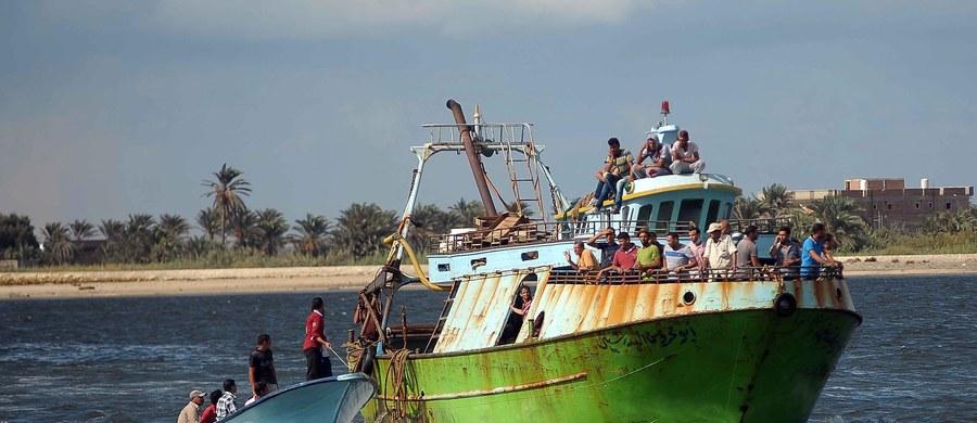 Liczba ofiar zatonięcia u wybrzeży Egiptu łodzi rybackiej z kilkuset migrantami wzrosła do 148 po wyłowieniu w piątek kolejnych ciał - podała egipska agencja MENA. Poszukiwania wciąż trwają - powiedział rzecznik prowincji Beheira w Delcie Nilu Wahdan el-Sajed.