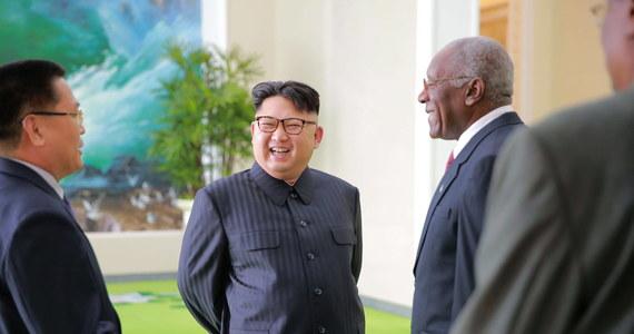 Elitarne wojska specjalne Korei Południowej są trzymane w gotowości do zabicia przywódcy Korei Północnej Kim Dzong Una - podało CNN. Amerykańska stacja powołała się na wypowiedź południowokoreańskiego ministra obrony Hana Min Ku w parlamencie.