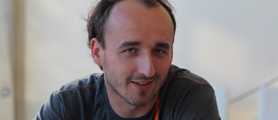 Trzecie miejsce zajął Robert Kubica w wyścigu Renault Sport Trophy na belgijskim torze Spa. Polak dzielił samochód z francuskim kierowcą. Wyścig trwał 70 minut plus jedno okrążenie.