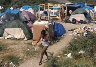 Hollande: Francja nie będzie krajem obozów dla migrantów