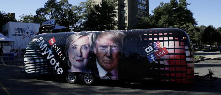 """W przeddzień pierwszej debaty telewizyjnej kandydatów na prezydenta USA w tegorocznych wyborach niedzielny sondaż telewizji ABC News i """"Washington Post"""" wykazał, że Donald Trump praktycznie zrównał się z Hillary Clinton w wyścigu do Białego Domu."""
