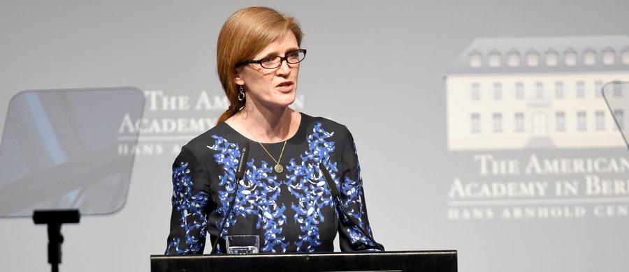 Amerykańska ambasador przy ONZ Samantha Power oświadczyła w niedzielę na posiedzeniu Rady Bezpieczeństwa ONZ, że rosyjskie działania w Syrii to barbarzyństwo, a nie walka z terroryzmem. Rada zebrała się, aby omówić eskalację walk w Aleppo na północy Syrii.