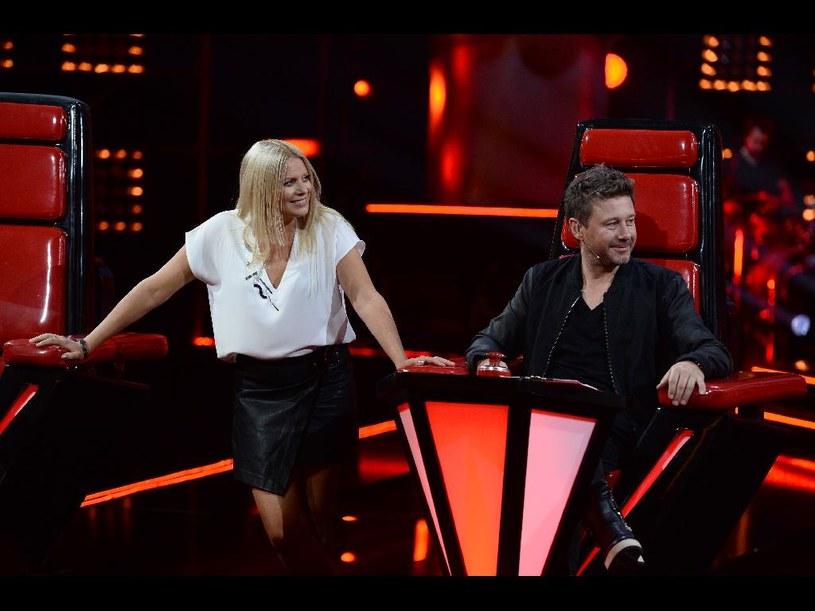 """Zaraz po emisji dwóch kolejnych odcinków """"The Voice of Poland"""" najmocniej od internautów dostało się… Marii Sadowskiej. Wszystko z powodu jej komentarza dotyczącego muzyki grupy happysad."""