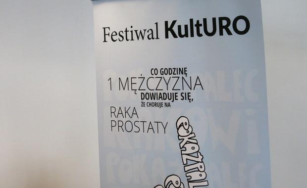Bezpłatne konsultacje lekarskie - w sobotę w Klinice Urologii w Krakowie. To w ramach nietypowego festiwalu KultUro, który łączy sztukę i medycynę. Lekarze poprzez muzykę i rysunek namawiają do profilaktyki, ale udostępniają też za darmo swoje gabinety.