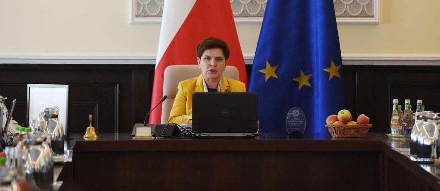 Premier Beata Szydło poinformuje o zmianach personalnych i systemowych w rządzie dziś podczas konferencji po posiedzeniu Rady Ministrów - poinformował rzecznik rządu Rafał Bochenek. Jutro szefowa rządu spotka się w Warszawie z wojewodami.