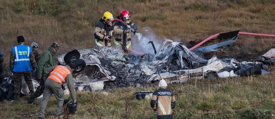 Szwajcarski wojskowy śmigłowiec Super Puma rozbił się w środę nad Przełęczą Świętego Gotarda. Obaj jego piloci zginęli, a ciężko ranny trzeci członek załogi został przewieziony do szpitala - poinformował dowódca sił powietrznych Szwajcarii Aldo Schellenberg.