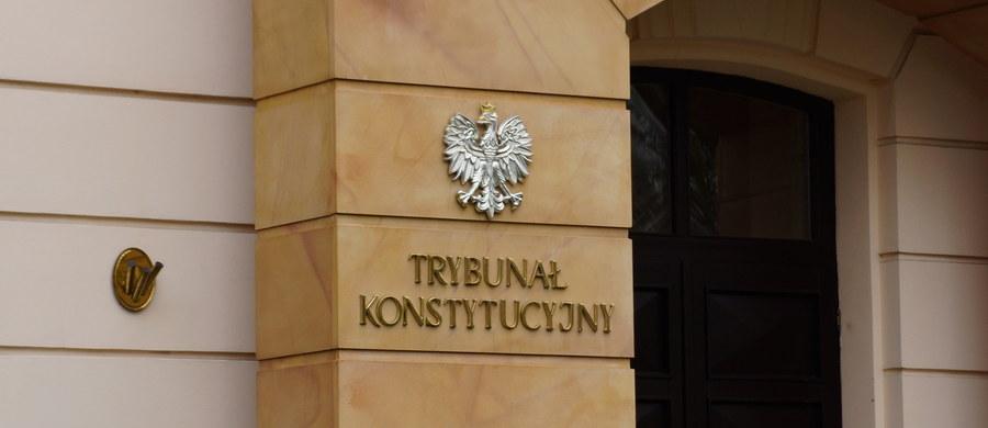 Warszawski sąd rejonowy nakazał prokuraturze podjęcie śledztwa w sprawie nieopublikowanego wyroku Trybunału Konstytucyjnego z 9 marca, dotyczącego grudniowej nowelizacji ustawy o TK. Decyzja prokuratury o odmowie wszczęcia tego śledztwa została uchylona.