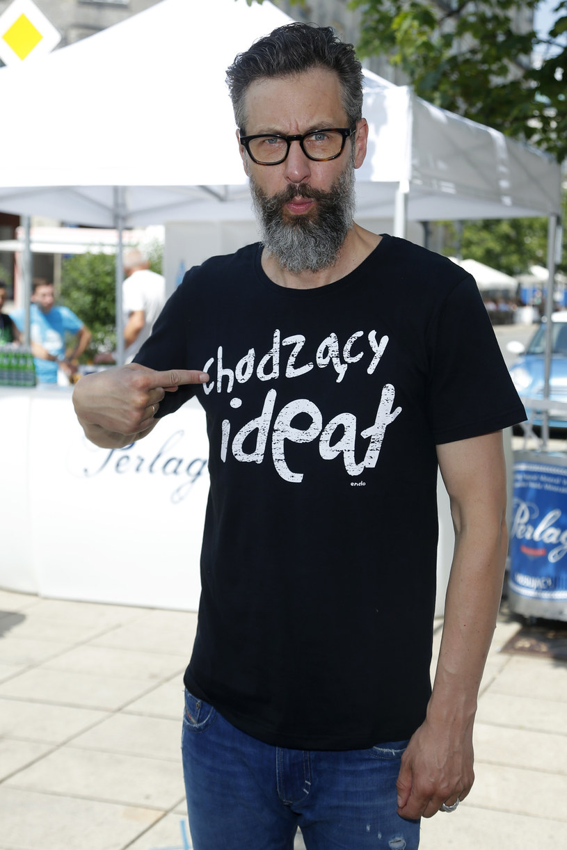 Szymon Majewski podziwia poczucie humoru Dawida Podsiadły. Jego zdaniem muzyk wykazuje się klasą i pokazuje doświadczonym satyrykom, jak żartować na poziomie. Dziennikarz słucha też muzyki autorstwa wokalisty Curly Heads.