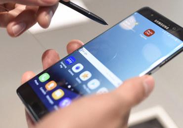 Dostał zastępczy smartfon od Samsunga. Z powodu aparatu ewakuowano pasażerów samolotu