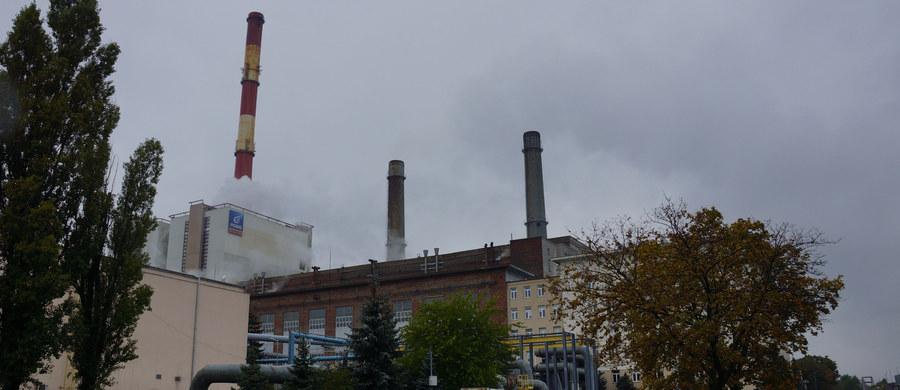 Ugaszono pożar w elektrociepłowni Żerań w Warszawie. Nad zabudowaniami unosiło się bardzo dużo dymu. Ewakuowano pracowników.